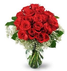 25 adet kırmızı gül cam vazoda Öveçler Dikmen anneler günü çiçek yolla