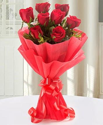 9 adet kırmızı gülden modern buket Dikmen Keklikpınarı çiçek siparişi vermek