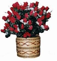 yapay kirmizi güller sepeti  Dikmen Naciçakır çiçekçi mağazası