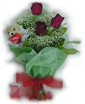 3 adet gül ve küçük ayicik buketi Dikmen Harbiye ankara İnternetten çiçek siparişi