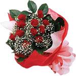 Ankara Dikmen kaliteli taze ve ucuz çiçekler  KIRMIZI AMBALAJ BUKETINDE 12 ADET GÜL