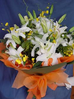 Ankara Dikmen kaliteli taze ve ucuz çiçekler  5 ADET KAZABLANKA BUKETI KALITEDEN SASMAYANLARA