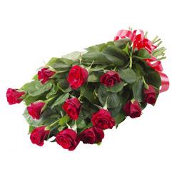 11 adet kirmizi gül buketi Dikmen sokullu ankara internetten çiçek satışı