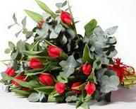 Ankara Dikmen 14 şubat sevgililer günü çiçek  11 adet kirmizi gül buketi özel günler için