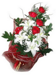 Dikmen Naciçakır çiçekçi mağazası  5 adet kirmizi gül 1 adet kazablanka çiçegi buketi