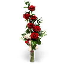 Yukarı Dikmen ankara çiçekleri güvenli kaliteli hızlı çiçek  cam yada mika vazo içinde 7 adet kirmizi gül ve oyuncak