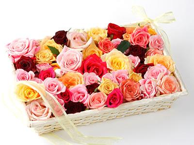 33 adet renkli gül sepet içerisinde Ankara Dikmen İlker çiçek yolla , çiçek gönder , çiçekçi
