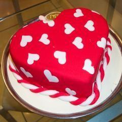 kalp biçiminde yas pasta özel kisilere Dikmen Harbiye ankara İnternetten çiçek siparişi
