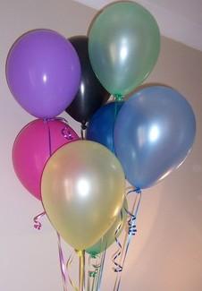12 adet renkli uçan balon demeti