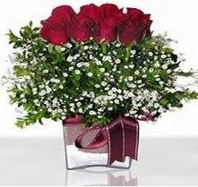Ankara Dikmen kaliteli taze ve ucuz çiçekler  mika yada cam vazo içerisinde 7 adet gül