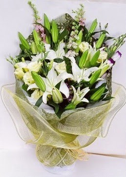 ankara çiçekçi Dikmen ucuz çiçek gönder  3 adet kazablankalardan görsel buket çiçeği