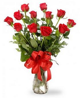 Öveçler Dikmen anneler günü çiçek yolla  12 adet kırmızı güllerden vazo tanzimi
