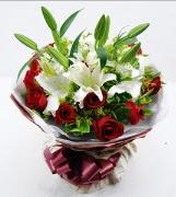 11 adet kırmızı gül 1 dal kazablanka buket Dikmen Akpınar Ankara  hediye sevgilime hediye çiçek