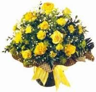 Öveçler Dikmen anneler günü çiçek yolla  Sari gül karanfil ve kir çiçekleri