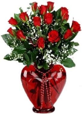 Cam kalp içerisinde 15 kırmızı gül ankara çiçek yolla Dikmen malazgirt çiçekçi telefonları