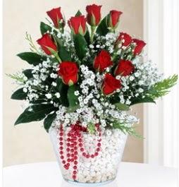 9 adet kırmızı gül cam içerisinde ankara çiçekçi Dikmen ucuz çiçek gönder