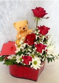 Mika kalp 5 Kırmızı gül ayıcık ve krizantem Dikmen Keklikpınarı çiçek siparişi vermek