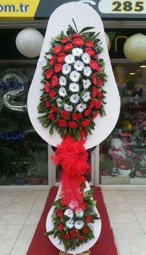Yapay gerbera çiçeklerinden çift katlı çiçek Dikmen Ankara çiçek gönder uluslararası çiçek gönderme