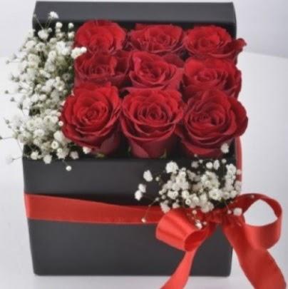 Kutu içerisinde 9 adet kırmızı gül Dikmen ankara çiçek mağazası , çiçekçi adresleri