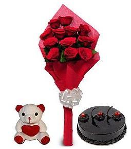 9 adet gül 20 cm civarı ayıcık ve yaş pasta çiçekçi Dikmen çiçek servisi , çiçekçi adresleri