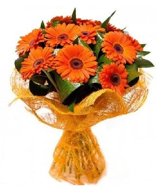 11 adet turuncu gerbera buketi Yukarı Dikmen ankara çiçekleri güvenli kaliteli hızlı çiçek