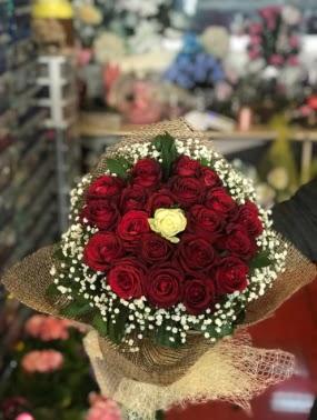 21 adet gül söz nişan çiçeği Ankara Dikmen Osmantemiz online çiçek gönderme sipariş